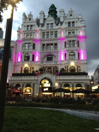 premier inn leicester square reviews